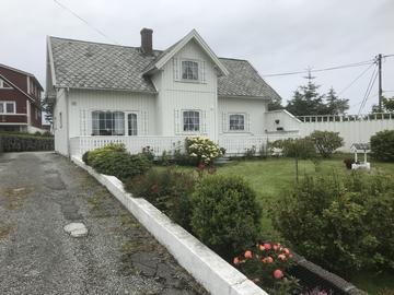 Austra Vika - Housing & Guiding